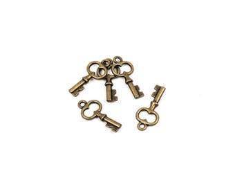 8 Small KEY Charm Pendants, bronze metal,  chb0307