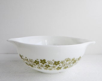Vintage Pyrex Spring Blossom Cinderella Bowl - Glass Mixing Bowl 443 2.5 Quart