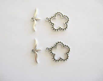 2 Flower Toggle Clasps, Lead Free Pewter-Pewter Toggle Clasps