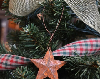 1 Large Rusty Primitive Tin Star Ornaments Holiday Christmas Decorations Rustic Decor Barn Metal Farmhouse