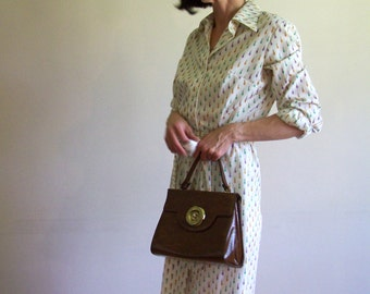 Vintage 70s White Patterned Shirt Dress with belt and scarf - 40 bust