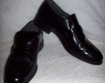 Vintage 1960s Mens Black Patent Leather Loafers Slip Ons by Towncraft Size 8 1/2 D Only 9 USD