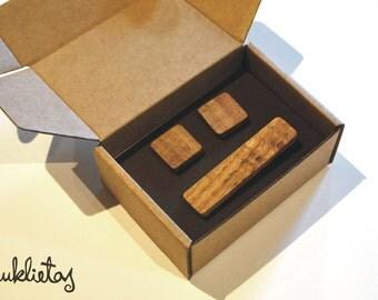 Wooden cuflink and tie tack set