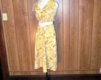 On Sale-Darling 1960's Yellow LACE Trim COLLARED Party Dress