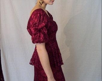 Berry Lace Peplum Dress 1970s XS/S