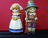 Vintage Napcoware Boy & Girl Pilgrim Thanksgiving Figurines