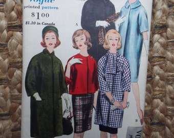 Very you Very Vogue, Your Go To coat and scarf Vogue Pattern 5343 uncut