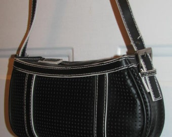 SPORTY SPICE // Black and White Perforated BAGUETTE 90's Preppy Clueless Small Purse Silver Buckler Strap Adjustable