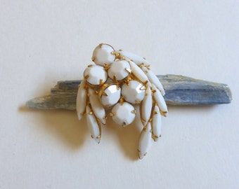 Vintage 1950's Oval and Marquis White Rhinestone Gold Wishbone Cluster Pin