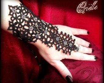 "Black Slave Bracelet in Tatting ""Shakti"" with Adjustable Metal Ring"