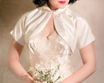 1950s Vintage ivory silk fitted Wedding Jacket // Bolero with high collar //  Handmade