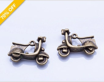 70% OFF - 3D Motorcycle Charm, Antique Bronze Motorbike, Motorbicycle 23x18x8mm, Pkg of 6pcs, C01V.AN09.P06