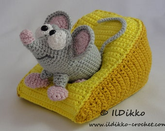 Amigurumi Crochet Pattern - Manfred the Mouse