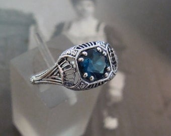 Charming Sterling London Blue Topaz Filigree Ring Size 6 3/4
