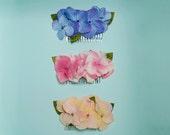 Perth - Pack de 3 peinetas florales con flores de hortensia y hojas verdes