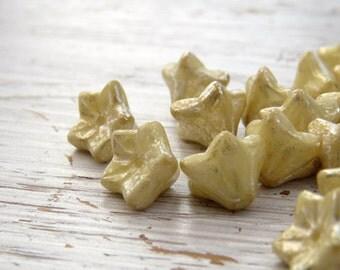 Ivory Shimmer Buds - 6 x 9mm shimmering ivory champagne flower beads (25), czech glass, gold flower beads, cream flower beads, uk beads