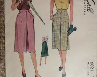 McCall 6821 Sport Skirt Front Kick Pleat Slash Pockets Vintage Sewing Pattern 1940s 40s Size 26 Small
