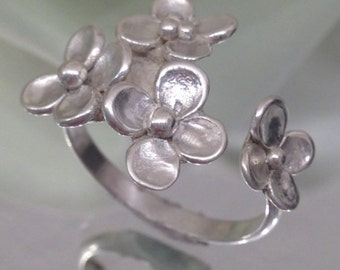 Sterling Silver Flower Ring - Valentine