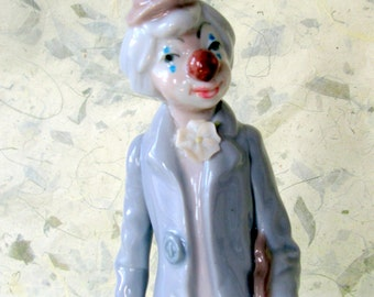 Casades Porcelain Figurine of a Clown with a Violin Made in Valencia Spain Vintage