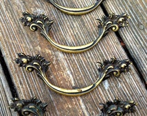 French Provincial Pull in Solid Antiqued Brass, Vintage Restoration Hardware, Authentic Salvaged Furniture Handle Drawer Pulls