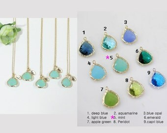 Bridesmaid gifts - Set of 7,8,9,10 -Leaf initial, Mint crystal pendant necklace, stone in bezel, Initial,Maid of Honor Gift