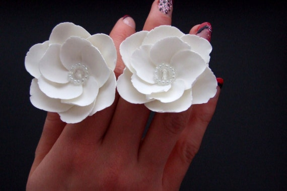 Wedding hair pins, wedding accessories, bridal accessories, white flower