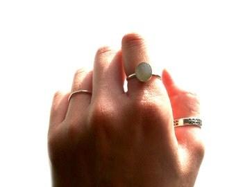 White Druzy Ring, Druzy Agate Ring, White Ring,Ring White Druzy Agate, Sterling Silver Ring, Oval Druzy Ring,Stackable Ring, Gemsto...