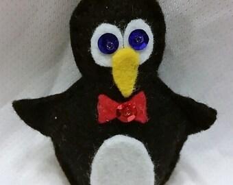 Christmas Ornament-Felt Penguin  #357F