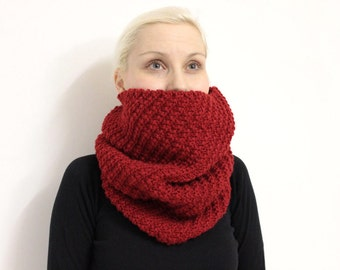 Red Chunky Scarf, Knit Eternity Scarf, Cranberry Red Cowl,Wool Infinity Scarf,Chunky Circle Scarf,Red Infinity Wool Cowl,Knit Infinity Scarf