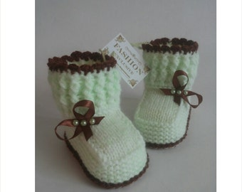Baby booties - Baby girl booties - Newborn baby girl - Adorable booties - Knitted - booties for new baby