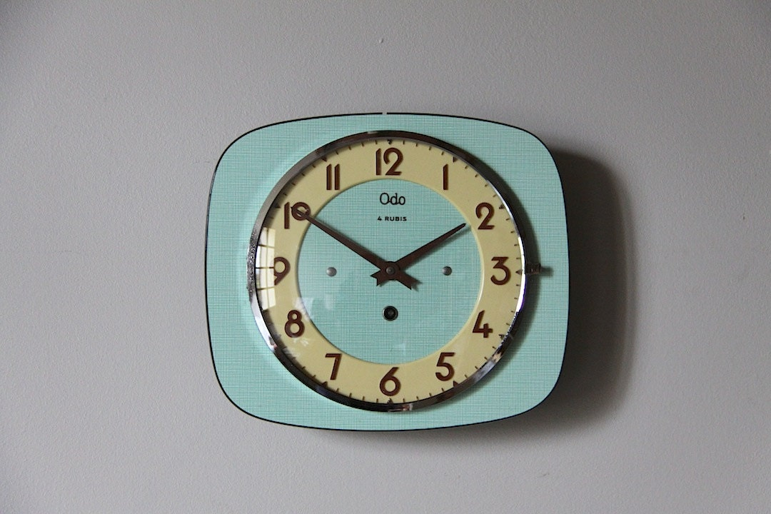 vintage french wall clock mint green formica mid century retro. Black Bedroom Furniture Sets. Home Design Ideas