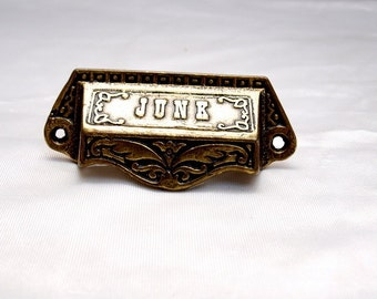 Brass drawer pulls - Junk