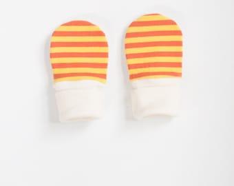 organic baby mitts | sunshine + clementine