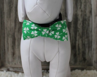 ST. PATRICK'S DAY Bow Tie Collar Attachment & Accessory for Dogs and Cats / Green and White Shamrocks