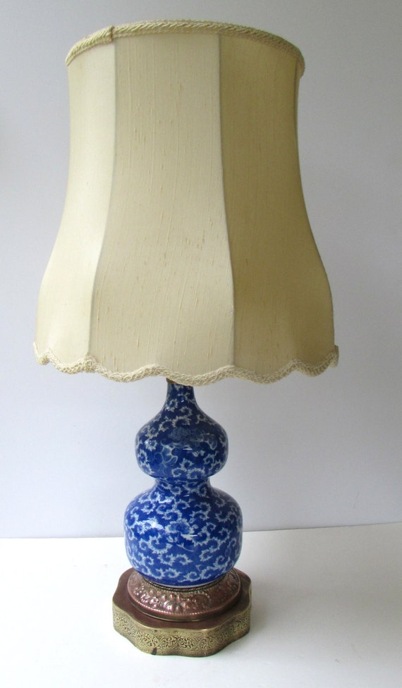 vintage table lamp blue and white porcelain double gourd table. Black Bedroom Furniture Sets. Home Design Ideas
