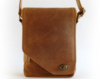 Light Brown Distressed Crazy Horse Cowhide Messenger Bag for iPad Vertical Upright Crossbody Adjustable Strap Vintage Bronze Finish Fittings