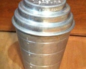 Vintage 1 Cup Smoothie Mixer and Measure Cup w/ Lid