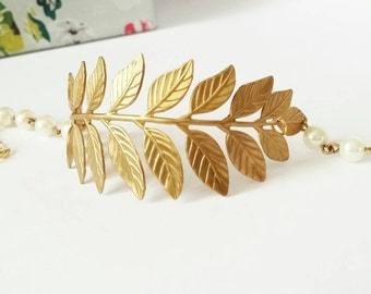 Gold leaf bracelet, gold cuff bracelet, woodland bracelet, woodland jewellery, nature inspired jewellery, gold pearl bracelet, gold bracelet