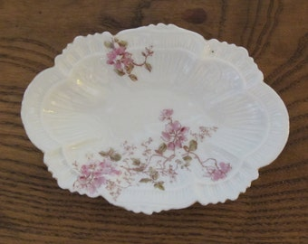 Vintage Limoges France Scalloped Edge Dish, Jones, McDuffie & Stratton Boston-free shipping