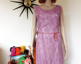Vintage 50s / 60s dress - from Portobello Rd London - dusky lavender and pink - stunning!