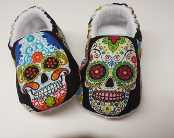 Sugar SkullS Baby Shoe,Day of The Dead,Baby booties,Toddler slippers,Black Soft Sole Baby Shoes,Day of the Dead,Dia de los Muertos,halloween