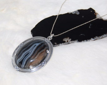 Agate Pendant Set in Sterling Silver with Black and White Matrix