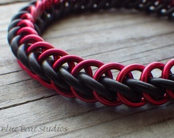 Red and black rubber chainmaille bracelet; stretchy chainmaille bracelet; chainmaille jewelry; rubber chain maille bracelet