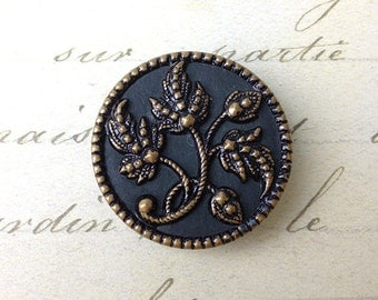 Large Floral Antique Picture Button 32 mm