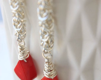 Scintillation| Coral and maille dangle earring
