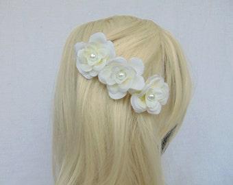 Flower Hair Comb - White Hair Comb - White Hair Piece - White Flower Comb - Flower Comb - Bridal Hair Piece - Bridal Hair Comb