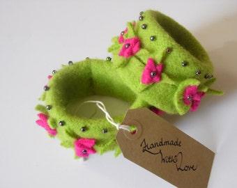 Handmade Felt Bracelet Free UK Shipping