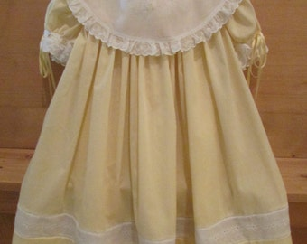 Size 3  Yellow dress with white collar