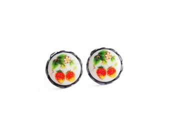 Strawberry Studs Vintage Fruit Cameo Post Earrings Glass Strawberry Earrings Hypoallergenic Studs Romantic Valentine's Day Gift For Her