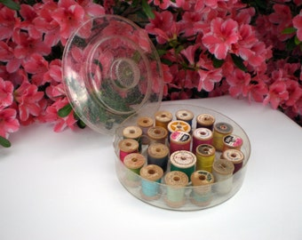 Sewing Box, Thread Storage Container, Includes 21 Wood Spools with Thread, Farmhouse Sewing Room Decor, Vintage Plastic Sewing Thread Box